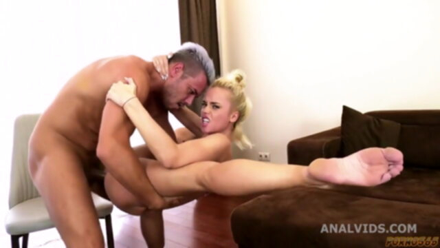 Here's how Russians do anal.. anal blowjob squirting