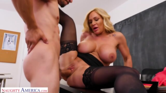 Mature Woman Faith Gets her.. big ass big tits blonde